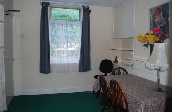 3 bed period terrace house in central Canterbury12 Clyde Street, Canterbury, CT1 1NA